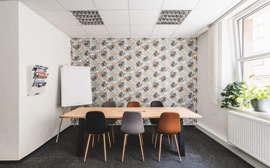 Konferenční stůl v coworkingu Pracovna R51 v Riegrově 51